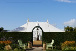 Symmetrical Traditional Marquee